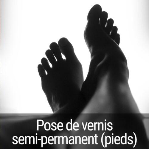 Pose de vernis semi permanent - pieds